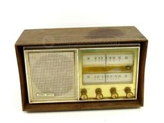 Vintage Channel Master Radio Model 653 AM-FM Radio