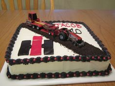 Best Farm birthday cakes ideas that you will like on . Cookie Desserts, Cupcake Cookies, Cupcakes, Tractor Birthday Cakes, Tractor Cakes, Cake International, International Harvester, Farm Cake, Case Ih
