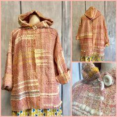 1月から着る 自分用のコート  モヘアもループも たくさん使って 軽くて あったか ♫ フードが大好き  だから ポケットやめてでも  フードに   #さをり織り #手織り #機織り #コート #フード付きコート #ハンドメイド #saoriweaving  #saori #fashion  #handmade  #coat  #wool #akiko24