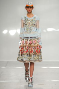 See the complete Manish Arora Spring 2015 Ready-to-Wear collection.