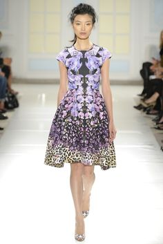 Temperley London RTW Spring 2014 // Learn how to hand render a floral print http://www.universityoffashion.com/lessons/rendering-floral-print/