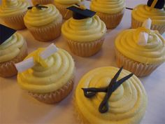 Cosmetology School Graduation Cupcakes