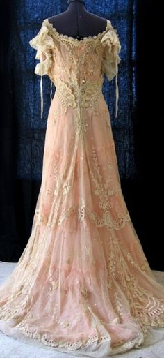 Vintage 'Gibson Girl' gown. Beautiful!! by Macarena Kreps