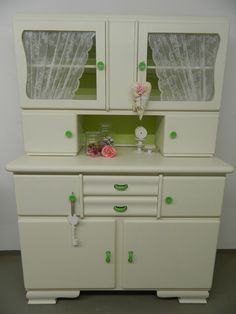 Kitchen Cabinets And Cupboards, Country Furniture, Retro Kitchenware, Shabby Style, Retro Kitchen, Vintage Decor, Hoosier Cabinets, Shabby Chic Kitchen, Cupboard Makeover