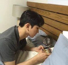 Boys Korean, Korean Boys Ulzzang, Korean Couple, Ulzzang Couple, Ulzzang Boy, Asian Boys, Beautiful Boys, Pretty Boys, Parejas Goals Tumblr