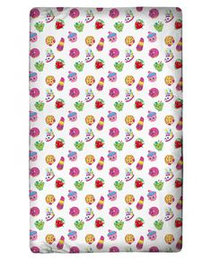 This Shopkins Single Fitted Sheet features Cupcake Chic, Apple Blossom, Sneaky Wedge, Lippy Lips, D'lish Donut, Strawberry Kiss and Kooky Cookie. Free UK delivery
