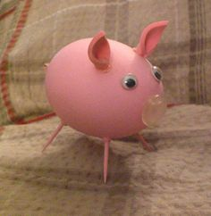 Cascarone Pig made from blown egg