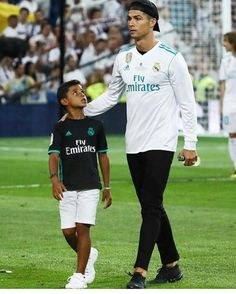 cristiano ronaldo with his son, cristiano junior Cristiano Ronaldo 7, Ronaldo Cristiano Cr7, Cristiano Ronaldo Manchester, Cristiano Ronaldo Wallpapers, Cr7 Jr, Neymar Jr, James Rodriguez, Messi, Rugby