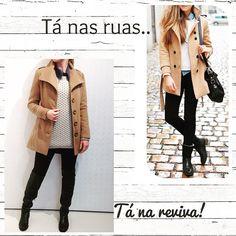 Trench Coat la batida caramelo + Montaria preta + Tricot com brilho + Camisa jeans + Bota Over The Knee