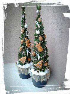 . Grinch Christmas Decorations, Potted Christmas Trees, Green Christmas, Christmas 2015, Christmas Countdown, Christmas Snowman, Christmas Wreaths, Christmas Crafts, Holiday Decor
