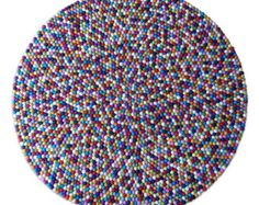 Mano alfombra alfombra pom pom de fieltro por LUZAmadewithlove