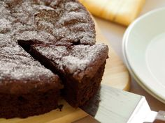 A flourless chocolate cake recipe for V-Day (and beyond)