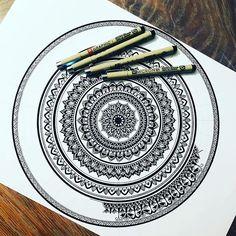 "293 Likes, 5 Comments - Mandala Artwork! (@stunning_artwork) on Instagram: ""regram @costa.verde_mandala I hope you will like it..:) ❤️. . . . . . . . #mandala…"""