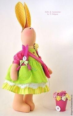 Animales de juguete, hecho a mano. Conejito Alison. Jigoro Natalia. Masters Feria. Chica conejito, humor del verano, rosa fuerte