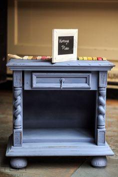 table-night-blue-indigo-pintyplus-chalk-paint-spray