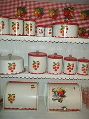 An absolutely swoon-worthy vintage cherry canister collection. Love the cherry retro look.