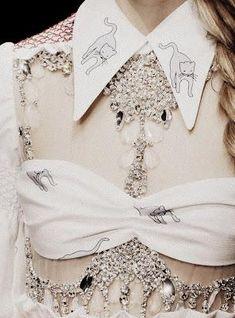 The pearls of fashion : Revue de détail haute couture P/E 2012