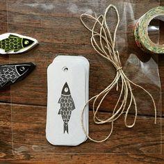 Arenque - pack de 10 etiquetas de regalo hecho a mano con un pescado, impreso…
