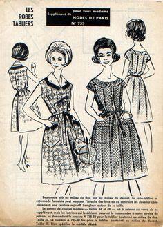 Robes, l'une à manches courtes kimono, boutonnage milieu devant, encolure arrondie, deux grandes poches poches plaquées sur la jupe garnies d'un croquet, l'autre boutonnage milie - 7679787