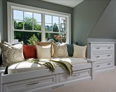 Window-seat. Great Window-seat design! #Window-seat #Home Bunch