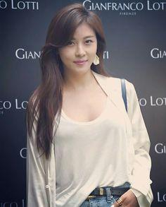 Korean Actresses,🇫ashion 🇲odels 💕💛💜💚🌺🌻 * Ha Ji Won Photo Collectons . Korean Beauty, Asian Beauty, Han Ji Won, Cute Beauty, Korean Actresses, Korea Fashion, Beautiful Asian Women, Sexy Asian Girls, Korean Women