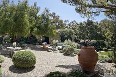 John Saladino's gorgeous Montecito estate, Villa de Limma
