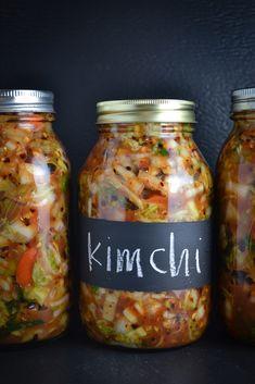 Kimchi {Fermented Korean Cabbage} – Things I Made Today - Korean Food Ideen South Korean Food, Korean Street Food, Vegan Kimchi Recipe, Vegetarian Cabbage, Vegetarian Meals, Korean Dishes, Napa Cabbage, Bulgogi, Food Photography Tips