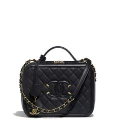 Handbags of the Spring-Summer 2018 Pre-Collection CHANEL Fashion collection : Vanity Case, grained calfskin & gold metal, black on the CHANEL official website.