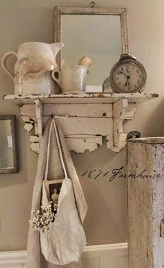 Love this vintage shelf