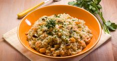 Nutrient-rich salmon makes this risotto a healthy, satisfying meal. Smoked Salmon Risotto, Pasta Facil, No Salt Recipes, Fish Dishes, Vegan Foods, Fish And Seafood, Macaroni And Cheese, Risotto, Eating Clean