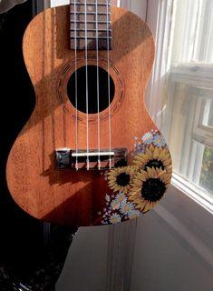 Sunflower Handpainted UkuleleThe post Sunflower Handpainted Ukulele appeared first on Ukulele Music Info. Arte Do Ukulele, Ukulele Songs, Guitar Painting, Guitar Art, Violin, Guitar Design, Painted Ukulele, Painted Guitars, Ideias Diy
