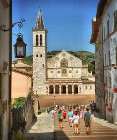Perché sei sempre bellissima... #ilmondocomelovedoio #lecosechepiaccionoame #browsingitaly #seemycity #view #city #scorci #chiesa #cityscape #architecture #church #urban #travelingram #travelphotography #travelgram #traveling #instatravel #ig_captures #igersitalia #igersperugia #igersumbria #umbria #ig_europe #ig_umbria #ig_worldclub #ig_captures #igworldclub_award #italy #ig_italy by andrea_mambrini