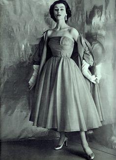 PAQUIN ensemble L'OFFICIEL DE LA COUTURE ET DE LA MODE DE PARIS Mars 1952 (minkshmink collection)