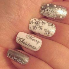 50 Beautiful Stylish and Trendy Nail Art Designs for Christmas Christmas Nail Art Designs, Holiday Nail Art, Xmas Nails, Christmas Nails, Halloween Nails, Trendy Nail Art, Beauty Nails, Nail Arts, Cute Nails