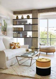 Lovely ideas for you to use the furniture in different ways small living room decor modern 10 Diy Apartment Decor, Apartment Interior, Home Interior, Interior Design, Bedroom Apartment, Living Room Partition Design, Room Partition Designs, Interior Columns, Column Design