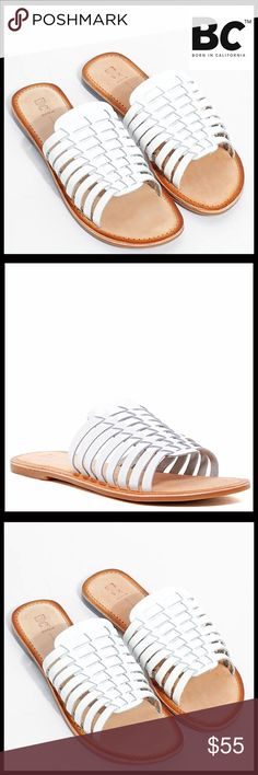 LEATHER SANDALS HUARACHE FLATS Huarache Leather Sandals Thin Woven Flats Sandals 💟NEW WITH TAGS💟Retail: $65   * Slip Ons   * Woven pattern of multiple straps   * Huarache   * A ballet flat style sole  * Open toe   * True to size.                                            Material: Leather upper & rubber sole Color: White & tan Item# SEARCH# flatform 🚫No Trades🚫 ✅ Offers Considered*✅ *Please use the blue 'offer' button to submit an offer BC Footwear Shoes Sandals