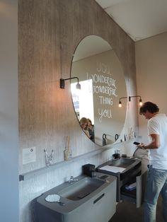 DIY: schitterende op maat gemaakte ronde spiegel! Gespot op de stand van VT Wonen op de Woonbeurs 2014.