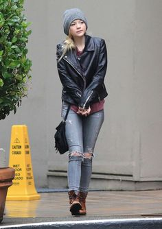 Emily Kinney style