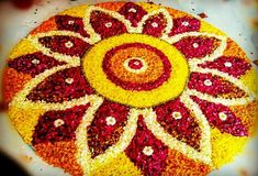 Rangoli Designs Flower, Rangoli Designs Diwali, Flower Rangoli, Beautiful Rangoli Designs, Diwali Decorations At Home, Indian Wedding Decorations, Festival Decorations, Hindu Festival Of Lights, Diwali Diy