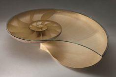 Mesa inspirada na proporção áurea