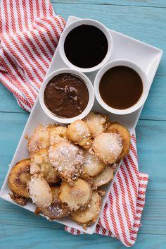 Mini Funnel Cake Desserts – Tasty Fried Desserts – – Funnel Cakes Recipe – - new site Cool Whip Desserts, Bite Size Desserts, Mini Desserts, Delicious Desserts, Mini Funnel Cakes, Funnel Cake Bites, Crockpot Recipes, Vegan Recipes, Vegan Food