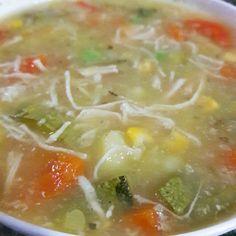 Jantinha - Sopa de Legumes (cenoura, mandioquinha, batata doce, abobrinha, milho verde, ervilha fresca e frango desfiado)