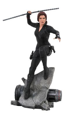 Diamond Select Toys have announced a new Avengers: Endgame Marvel Premier Collection Black Widow Limited Edition Statue. It will be released in the third [. Marvel Avengers Comics, New Avengers, Black Widow Movie, Black Widow Marvel, Statues, Avengers Symbols, Die Rächer, Fleet Of Ships, Movies
