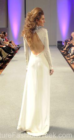 #moteuke #design #model #stil #kvinne #IsabelZapardiez #mote #couture #fashion #brudekjole #kjole #detaljer