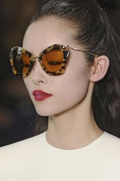 bahliss:    fashioninquality:    Fei Fei Sun atMiu Miu Fall Winter 2011 | PFW    Them shades