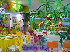 Un tema colorido y divertido para decorar la fiesta de cumpleaños de tu pequeño o pequeña, es aquel que incluye animales, árboles y todo ...