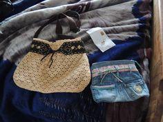 Créations de Célica sac à main récup pull et ceinture et trouse de toilette récup jeans http://www.alittlemarket.com/boutique/celica-346816.html