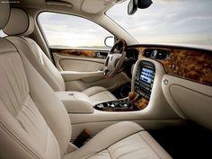 Classy interior of the Jaguar XJ!