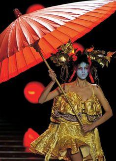 john-galliano-blog:  John Galliano for Chrisitan Dior Spring Summer 2003 Haute Couture