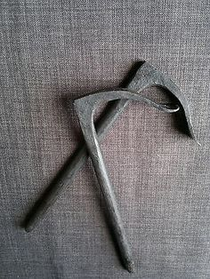 Roubo-Holdfast-bench-dog-forged-iron-woodworking-tool-traditional-blacksmith